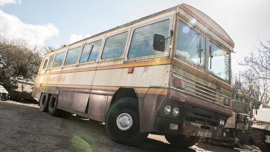 На продажу выставили бронированный 36-местный автобус Маргарет Тэчер