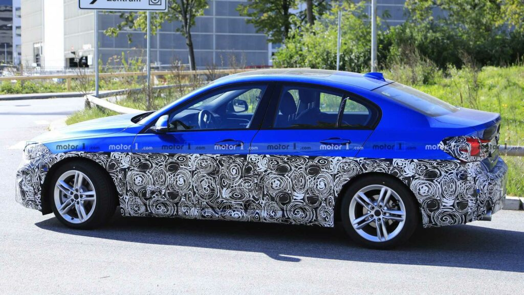 На тестах замечен прототип седана BMW 1-Series для Европы