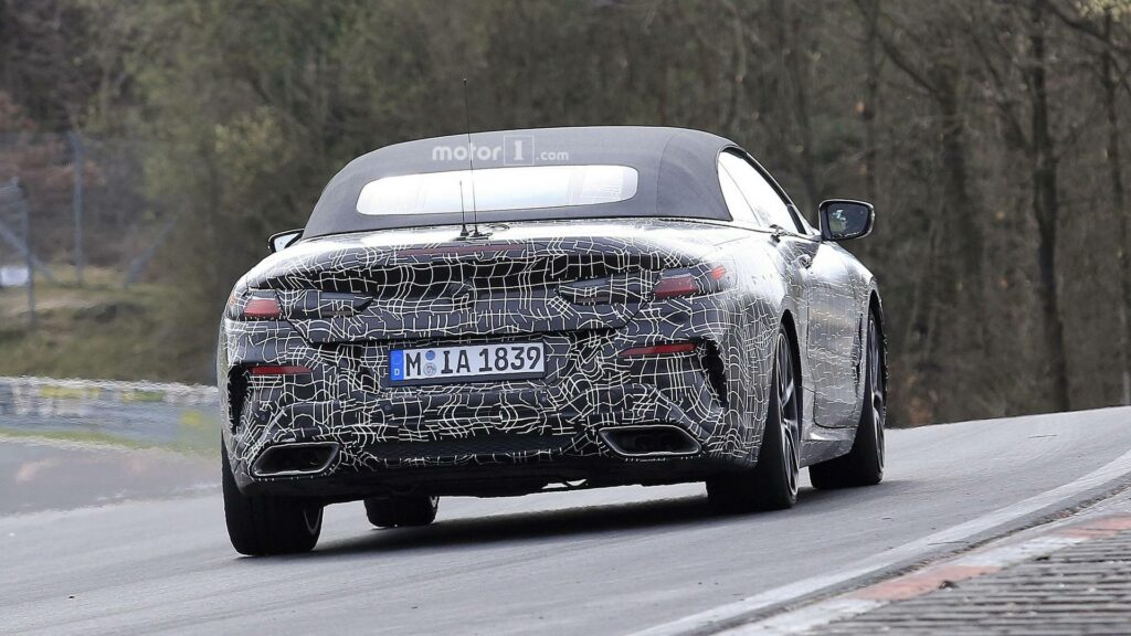 Две модели BMW 8 Series замечены на треке в Нюрбургринге