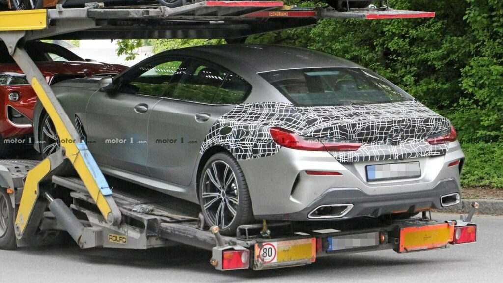 BMW 8 Series Gran Coupe замечен почти без камуфляжа