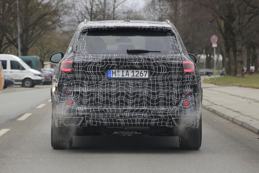 В Сети появились новые снимки нового поколения BMW X5