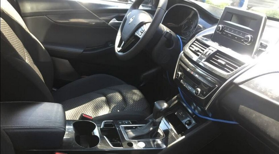 Вглобальной паутине появились фото салона серийного кросс-купе Borgward BX6