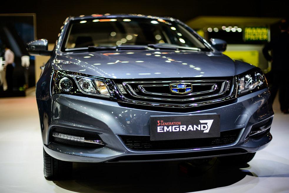 Обновленный седан Geely Emgrand 7 скоро поступит в продажу в РФ