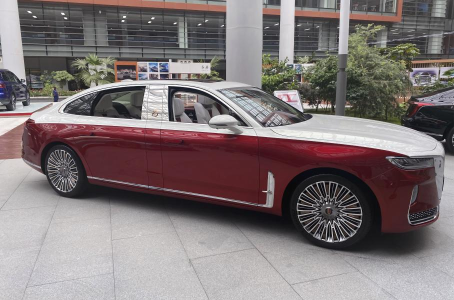 Китайский аналог Aurus получил длиннобазную модификацию
