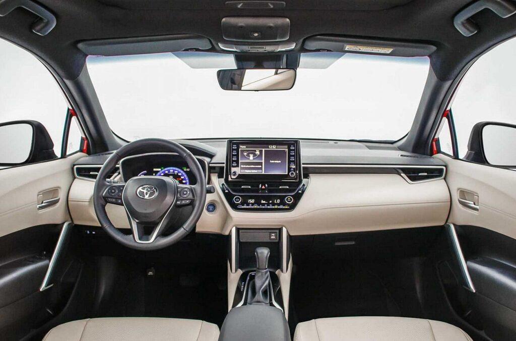 Кроссовер Toyota Corolla Cross вышел на рынок Южной Америки за 1,85 млн рублей