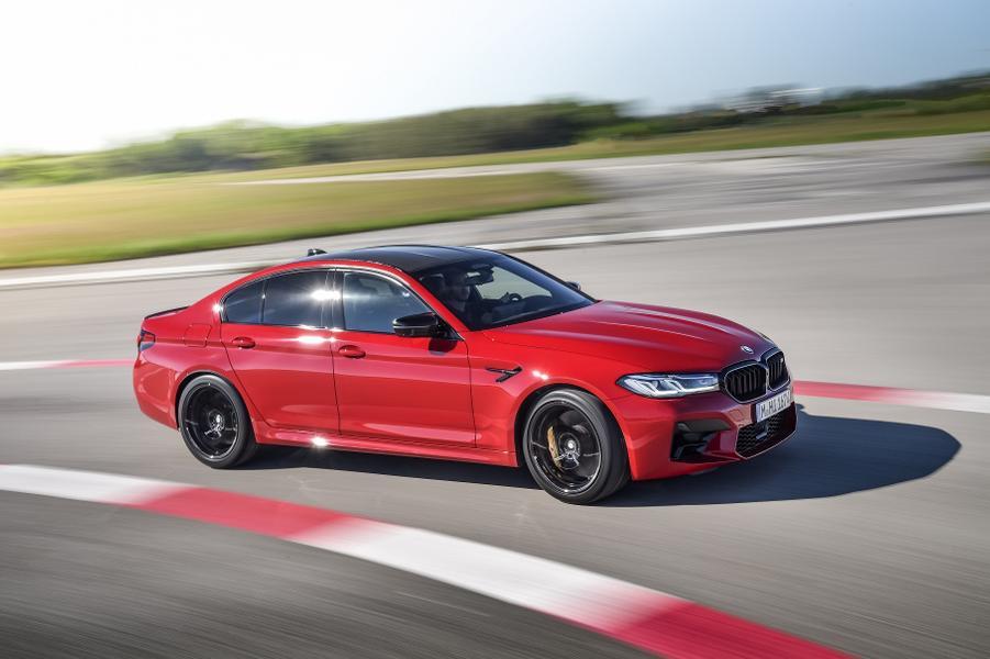 BMW презентовала новые BMW M5 и M5 Competition