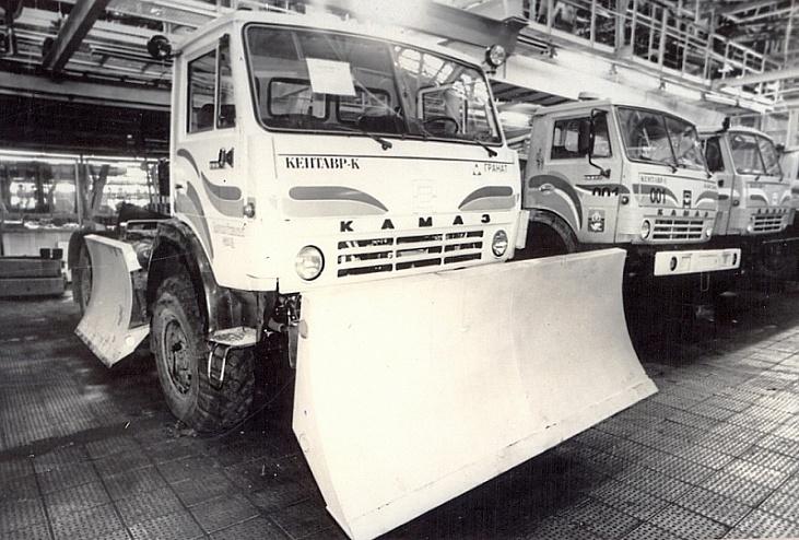 В Сети появилось фото редкого грузовика-трактора «КамАЗ» «Кентавр»