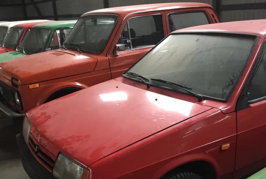На продажу за 16 млн рублей выставлена коллекция ВАЗов без пробега