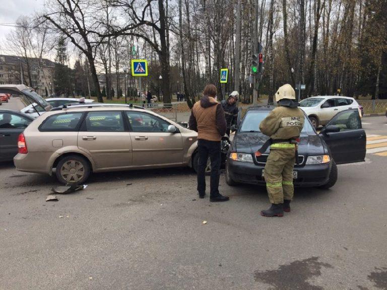 Один человек пострадал в ДТП «Шевроле» и «Ауди» в Калужской области