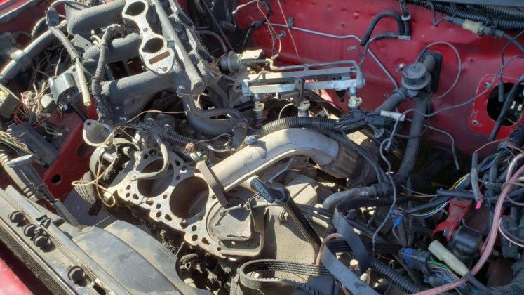 Купе Chrysler TC 1990 от Maserati нашли на автомобильной свалке