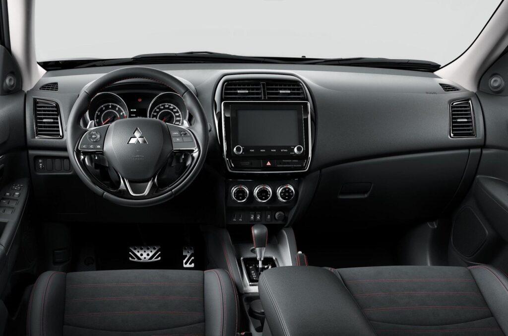 В РФ Mitsubishi ASX получил новую специальную версию Black Edition