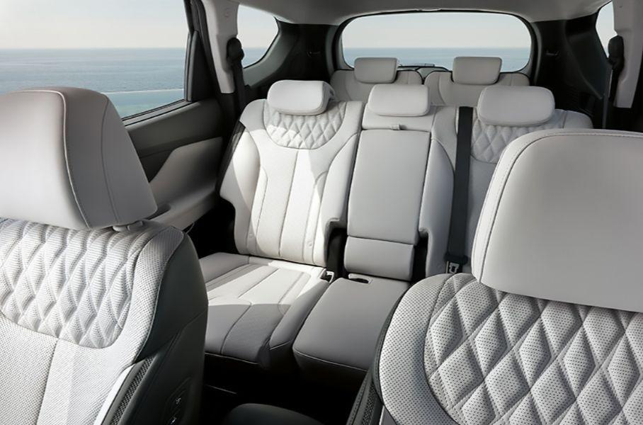 Hyundai представил в РФ спецверсию обновленного кроссовера Santa Fe за 3,3 млн рублей