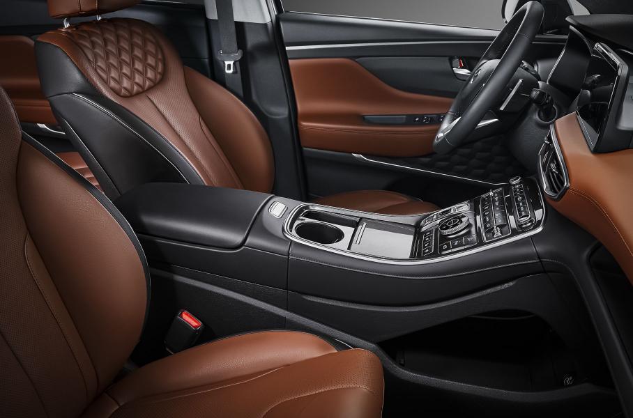 Hyundai начала продажи обновленного кроссовера Santa Fe на российском рынке