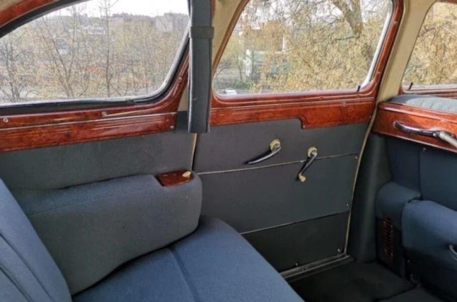 Житель Москвы продает советский седан ГАЗ-12 ЗИМ за 7,7 миллиона рублей