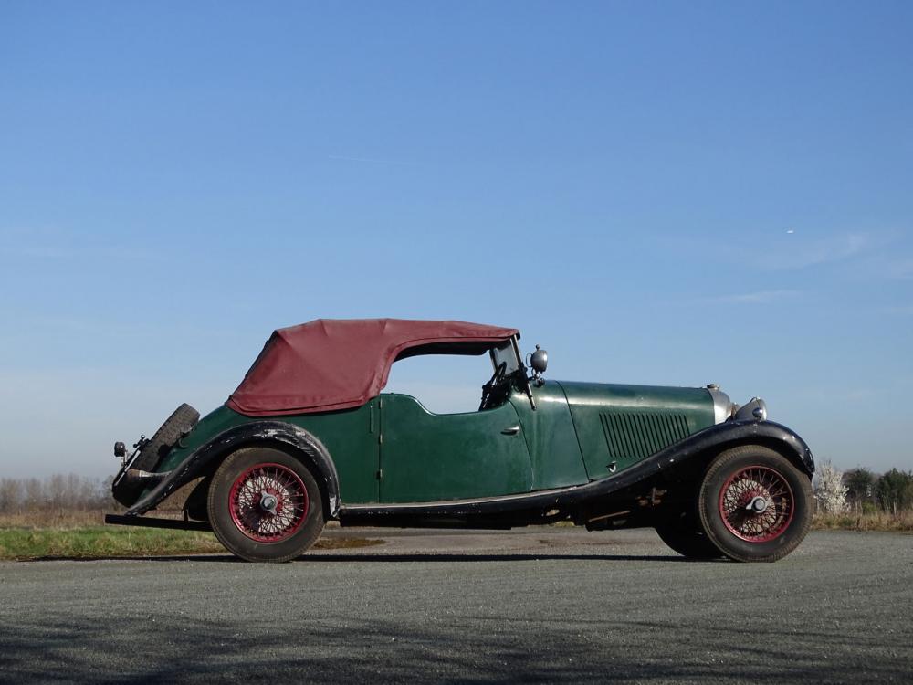 30 лет простоявший в гараже Bentley продали за 40 млн рублей