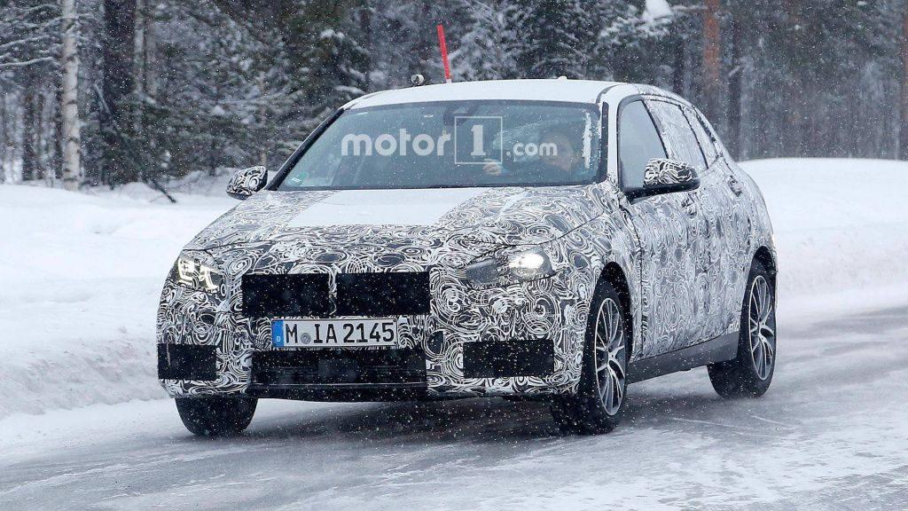 Хэтчбек BMW 1-Series нового поколения замечен на тестах