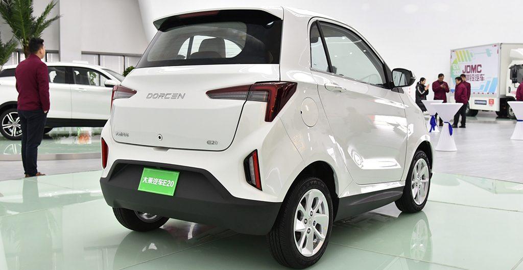 Новый бренд Dorcen запускает в серию две перелицованные модели Zotye