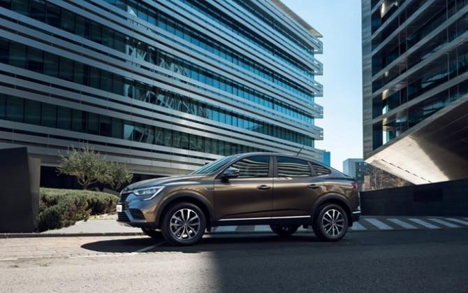 Renault Arkana получил новый эксклюзивный цвет кузова