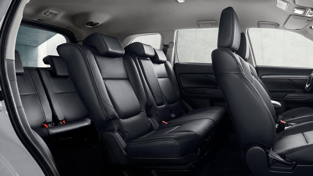 Объявлены цены на трехрядный Mitsubishi Outlander для рынка РФ