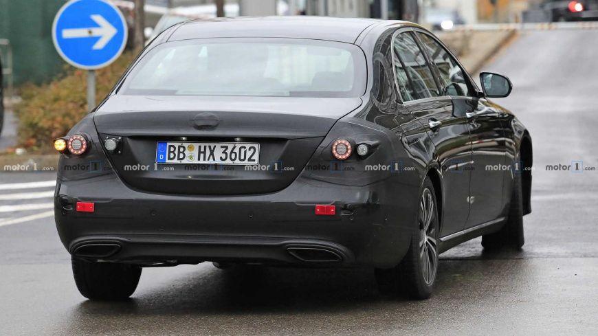 Mercedes-Benz вывела на тесты обновленный седан E-Class