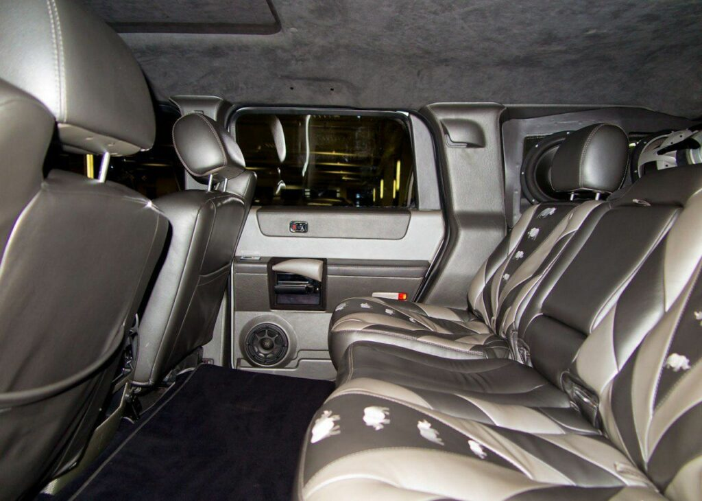 На продажу выставлен внедорожник Hummer H2 из «Ералаш»
