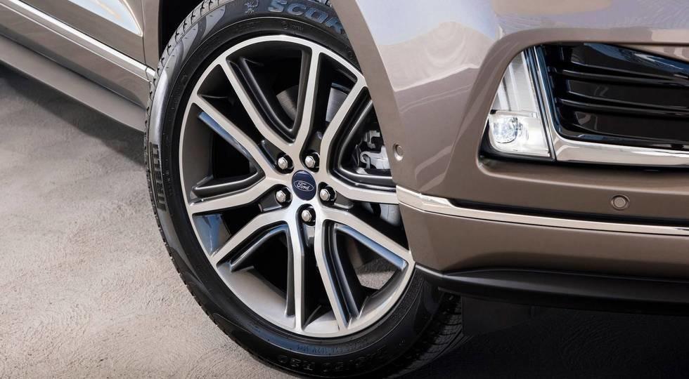 Кроссовер Форд Edge получил прелестную версию Titanium Elite