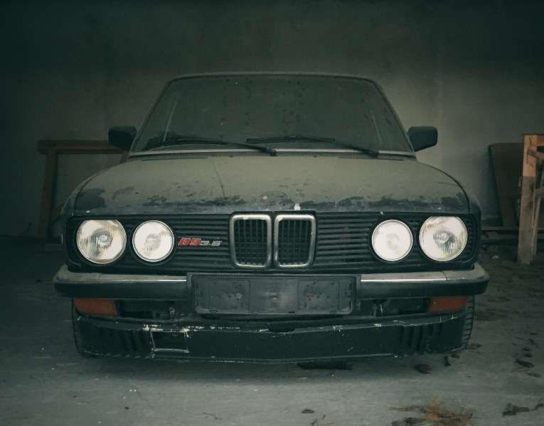 В Украине нашли две брошенные модели Alpina