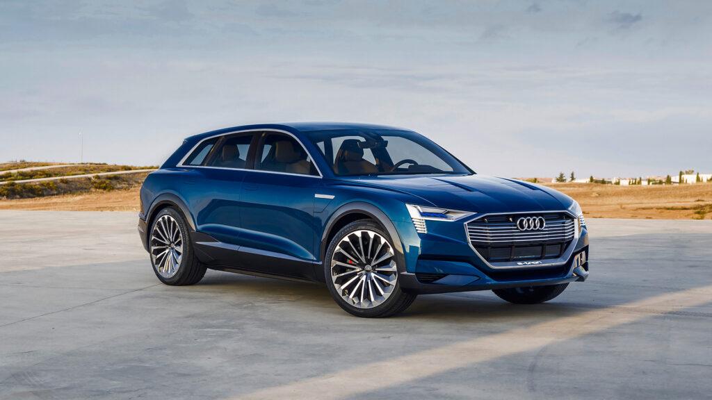 Audi начала серийный выпуск первого электрического кроссовера E-Tron