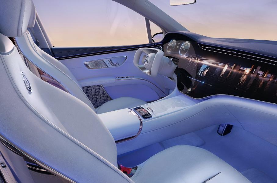 Mercedes-Benz показал на IAA новый большой электрический кроссовер Maybach