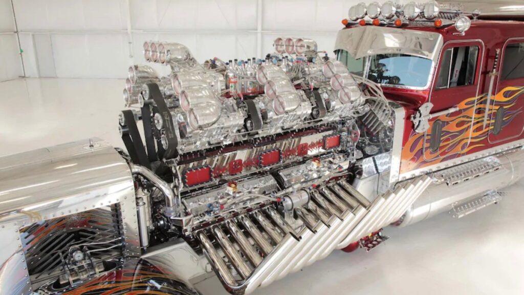 Самый дорогой в мире тягач был продан на аукционе за 13,2 млн долларов