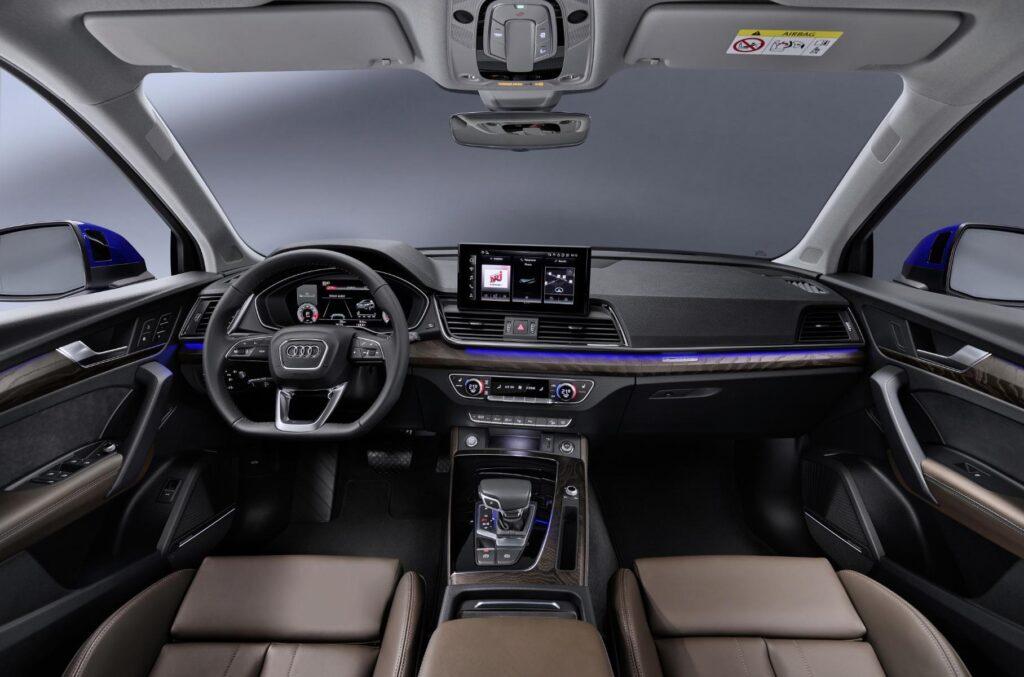 Кроссовер Audi Q5 Sportback появился на российском авторынке