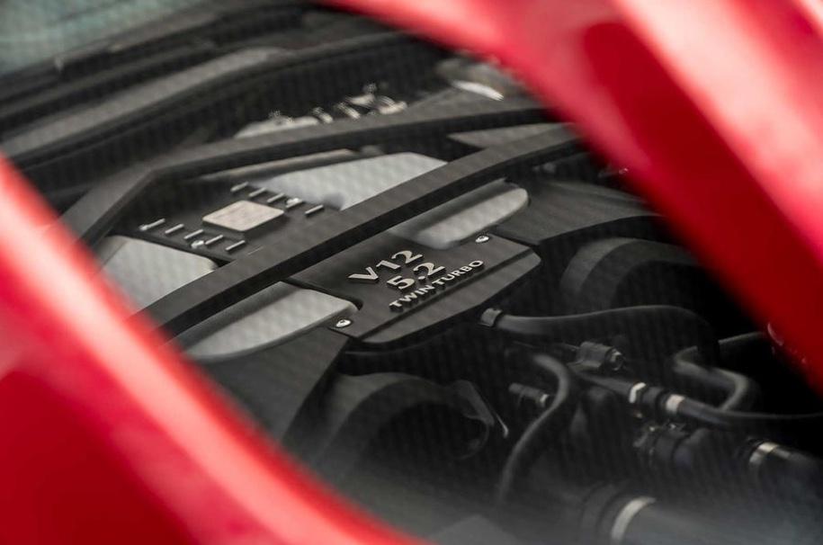 725-сильный Aston Martin DBS Superleggera рассекречен до премьеры