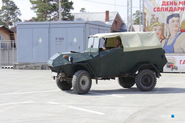 Житель Новосибирска восстановил военную машину БАШ-64 1944 года выпуска