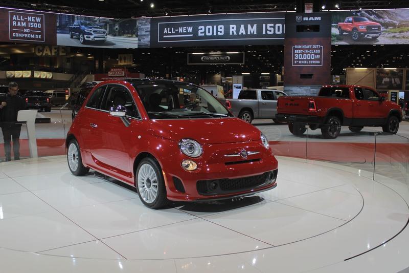 Базовая версия хэтчбека Fiat 500 получила 1,4-литровый турбомотор