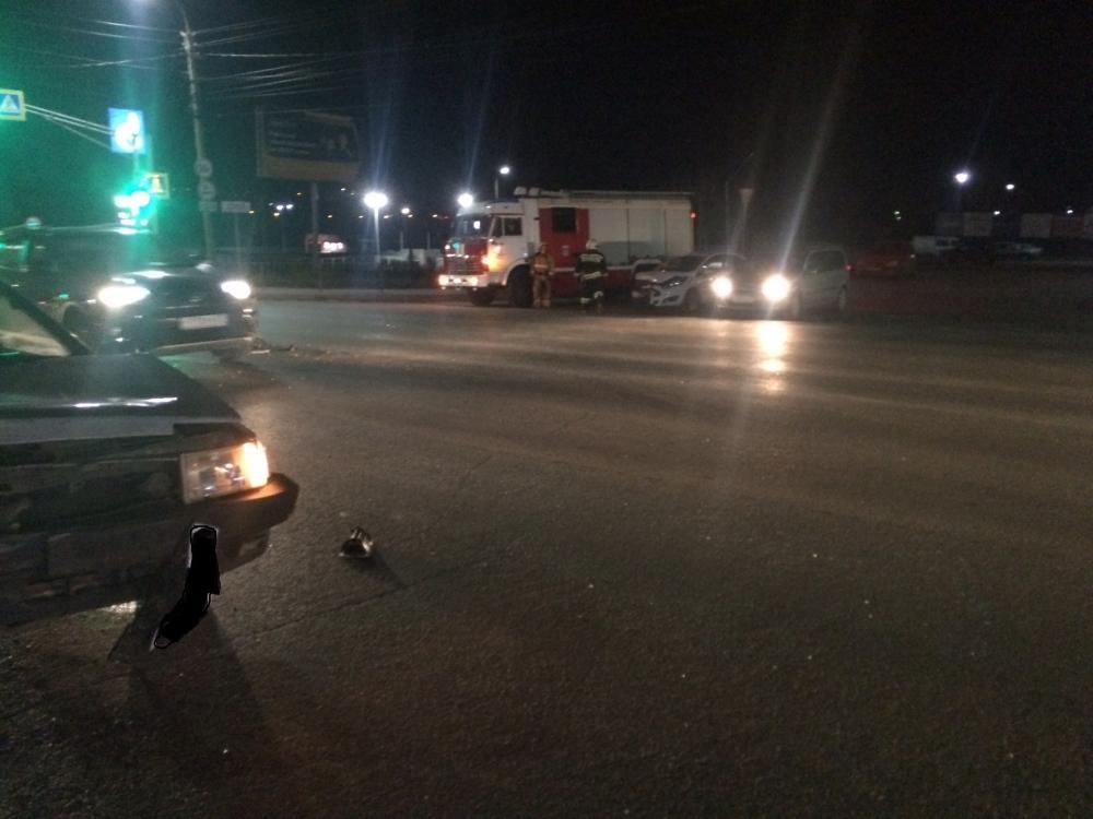 Один человек пострадал в массовом ДТП трех автомобилей в Орле