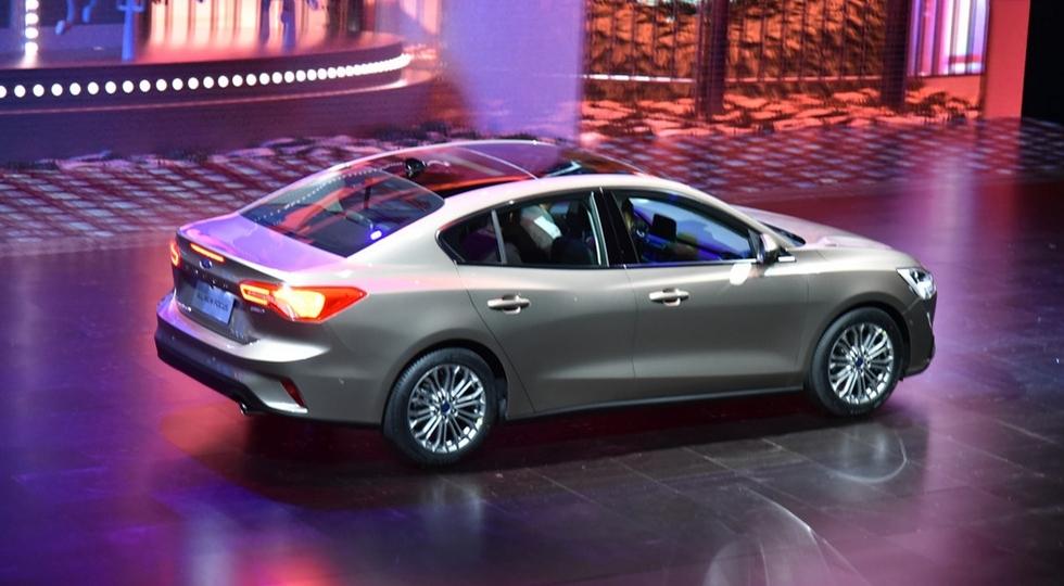 Официально представлен новый седан и хэтчбек Ford Focus