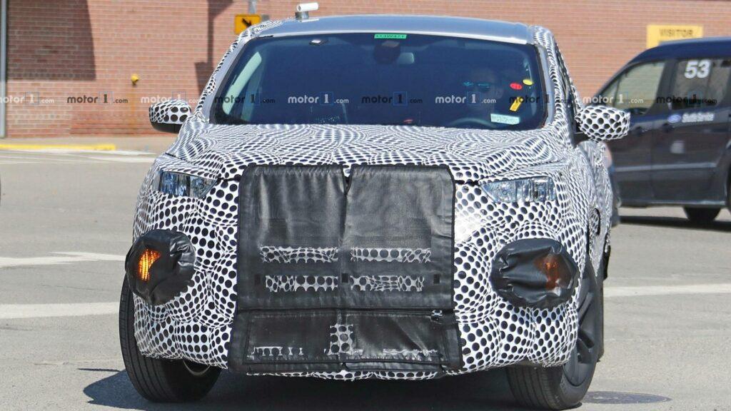 Первый электрический кроссовер Ford Mach 1 заметили на тестах
