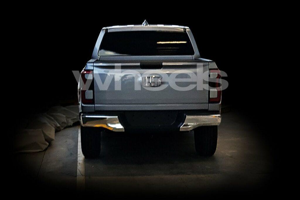В Сеть попали фотографии нового пикапа от Ford