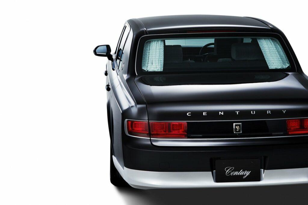 Новый флагманский седан Toyota Century представлен официально