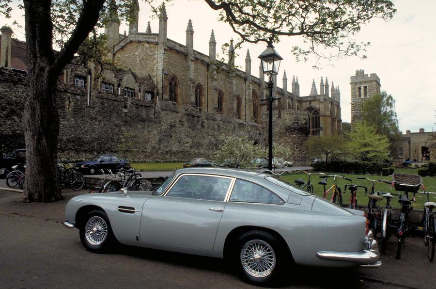 Aston Martin сделает 25 спорткаров DB5 из фильма о Джеймсе Бонде