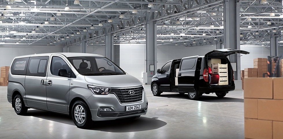 Hyundai назвал дату старта продаж обновленного H-1 в России