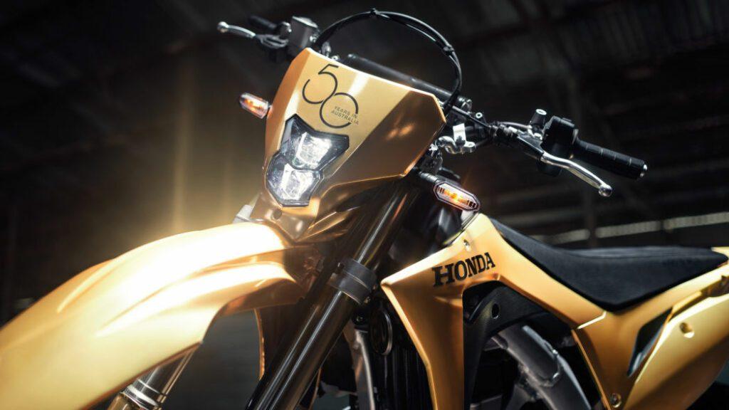 Honda покрыла золотом мотоциклы, спорткары и газонокосилку