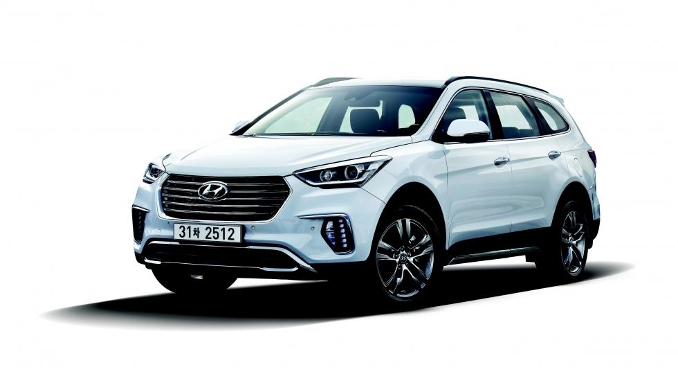 Hyundai начала продажи слегка обновленного кроссовера Grand Santa Fe
