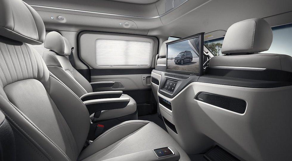 Минивэн Hyundai H-1 обзавелся роскошной версией Limousine