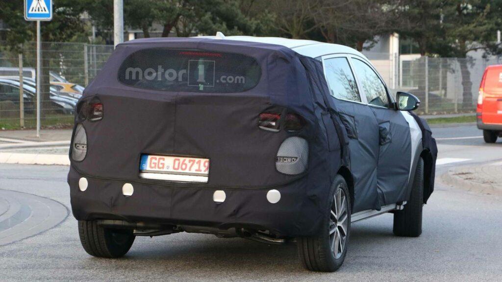 Фотошпионы на тестах заметили обновленный кроссовер Hyundai Tucson