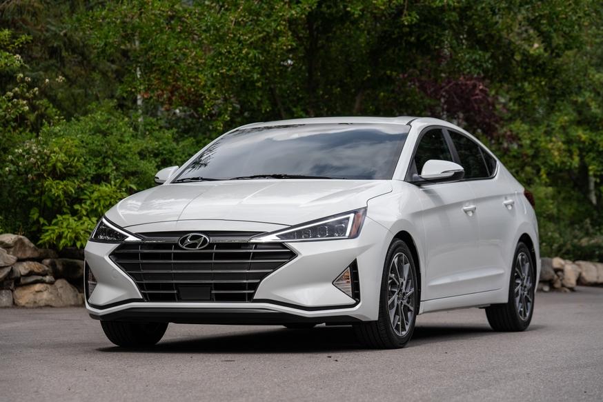 Обновленная Hyundai Elantra успешно стартовала на рынке РФ