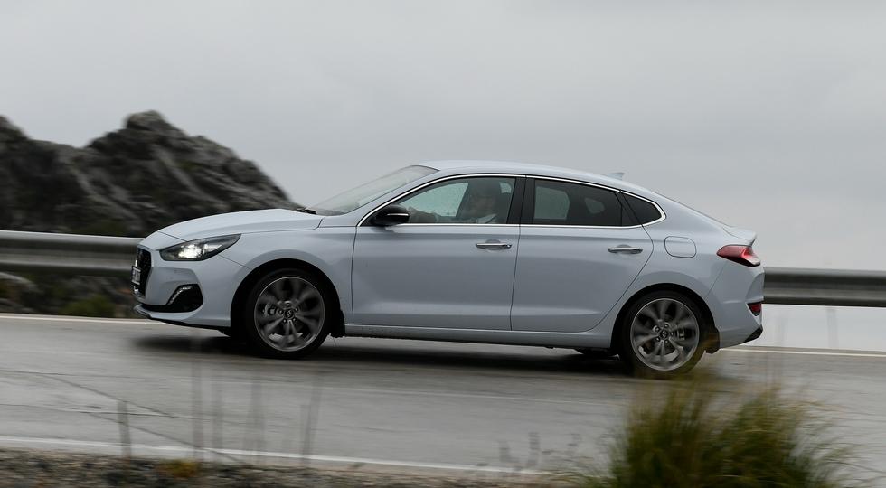 Названы цены и комплектации на купеобразный Hyundai i30 Fastback