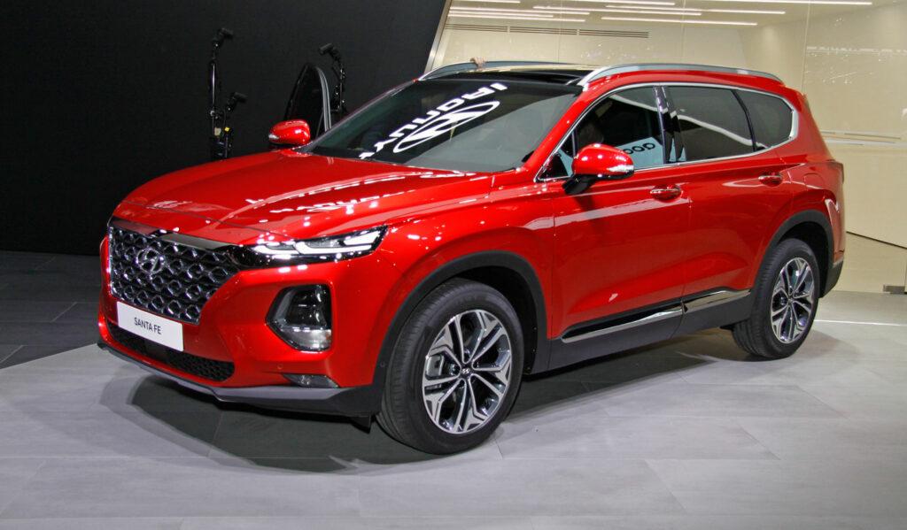 В моторную гамму Hyundai Santa Fe войдут две гибридные версии