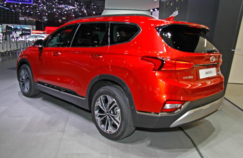 Новый кроссовер Hyundai Santa Fe представлен в Женеве