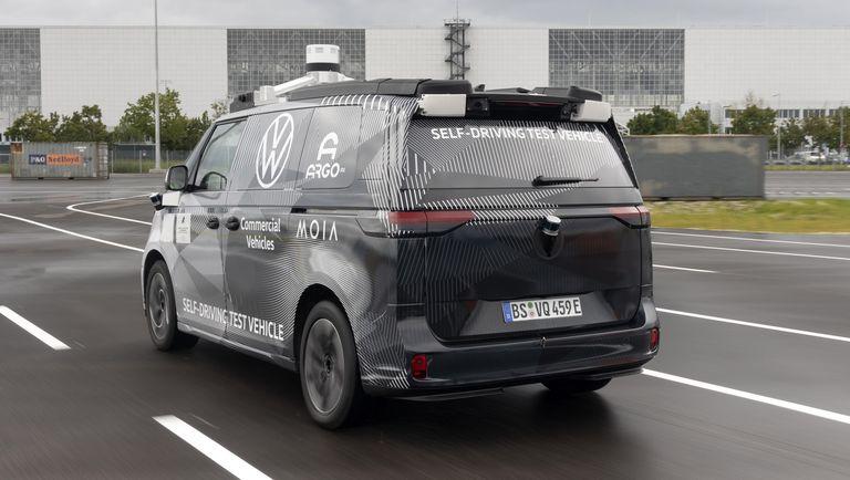 Volkswagen показал предвестника ID.Buzz с автопилотом